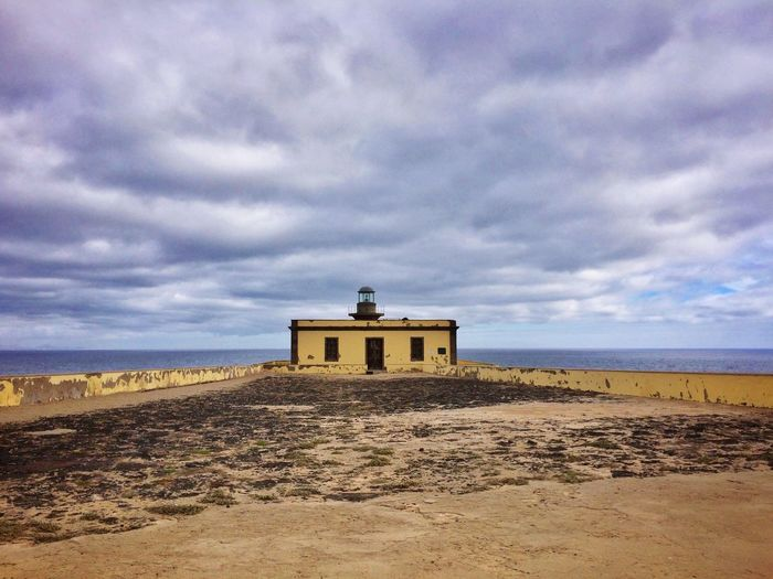 House Sea Island Abandoned Walls Gloomy Day Old Lighthouse Water Sand