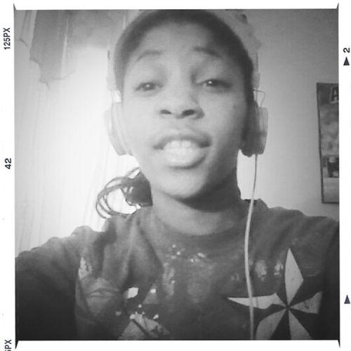 My Friday Nite <3 Bumping Music Chillen ^_^