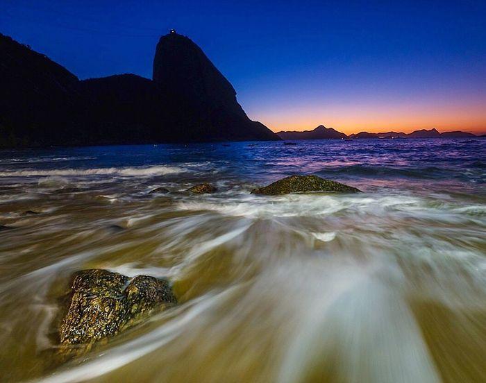 Praia Vermelha Hello World Riodejaneiro Praiavermelha Sunrise Sunrise_sunsets_aroundworld Brazil Blue Photography Nikon Red Check This Out Moment Long Exposure