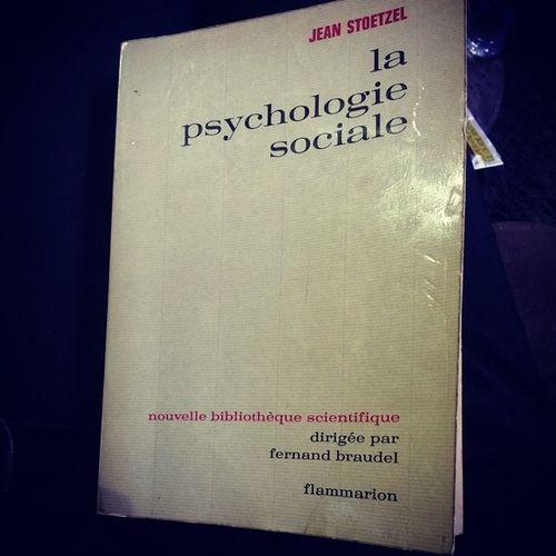 Un peu de lecture ! :) Psychogie Sociale Sociologie Livre book stoezel vieuxlivre lecture psychologiesociale