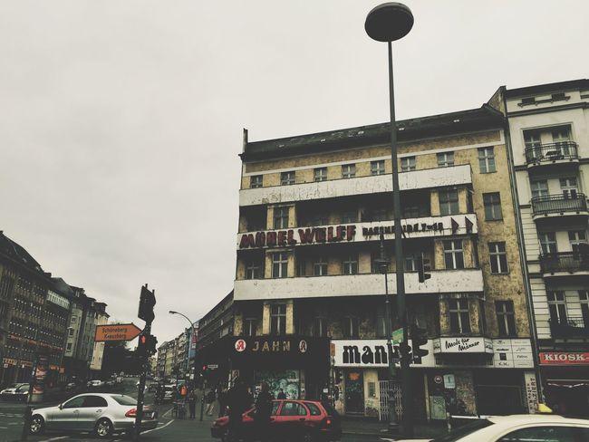 Berlin Berlino Hermannplatz Urban Geometry Architecture Sunday Sabato  Finesettimana Weekend