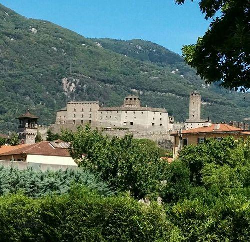 Castelgrande Castle Ticino Swiss StreamzooVille