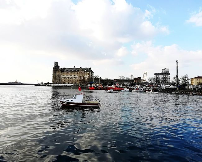 Haydarpasa Haydarpaşa Garı Haydarpasa Train Station Haydarpasa Railway Station Boat Sea Sea And Sky Martı Blue Sky Blue Sea Cloud - Sky