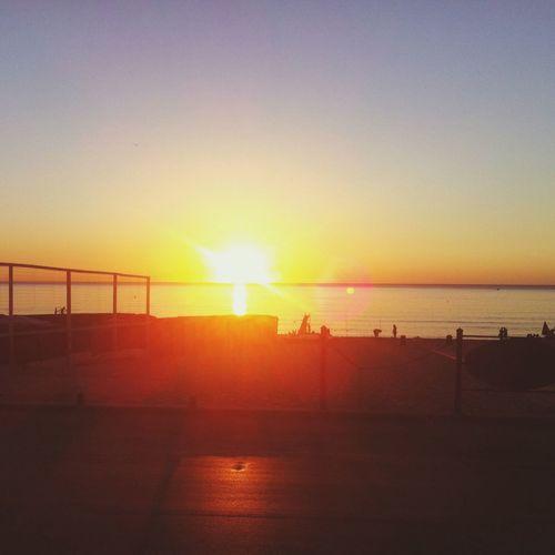 Casa al mare mattina alba