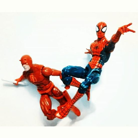 """Try and keep up DD!"" Marvellegends Infiniteseries Amazingspiderman Spiderman Spidey Mattmurdock Daredevil Mcu Netflix Toyplanet Toyporn Toyphotography Toyscrewbuddies Toyscrewbuddiesusa Toyartistry Toyart Toystagram Toysaremydrugs Toys4life Actiontoyart Articulatedcomicbookart Actionfigurephotography ACBA Figurecollector Toycollector Toyunion toynation"