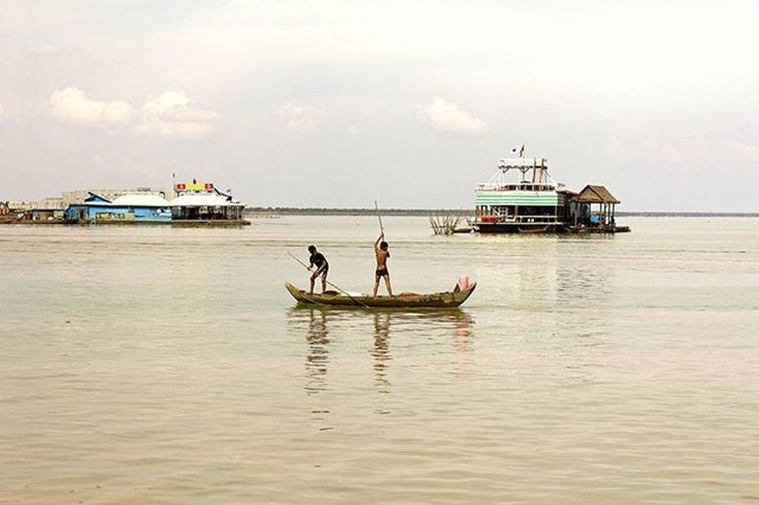 Villagelife Fishing Poverty Tonlesaplake Cambodia Southeastasia Lifeasiseeit Johnnelson Kampuchea Khmer Siemreap