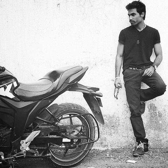 Robinraj Mrrob Blackamdwhite Motogpedition Suzuki Bike Cool Outdoors
