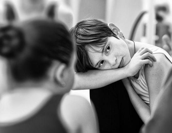 Ballett, Aufmerksamkeit, Tanz Ballett Ballett Love Balett Photography Blackandwhite Indoors  Young Adult Day