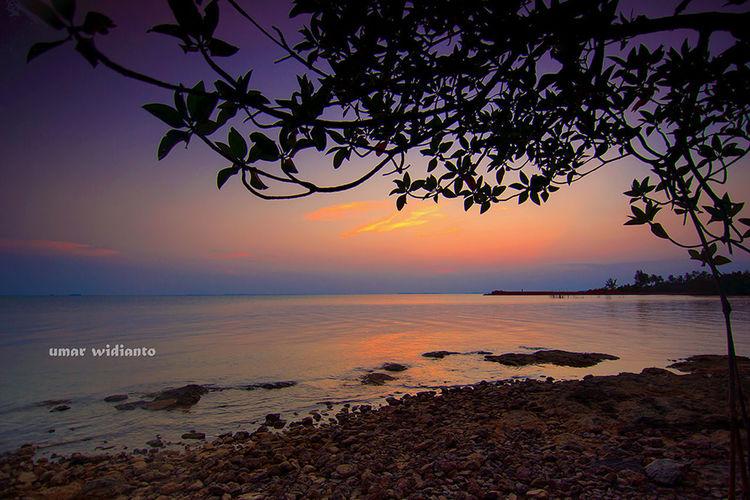 Sunset diujung