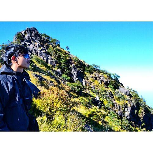 model by: @27syahriar Adventure Backpakers Backpakerindonesia Explorewonosobo travelingnusantara ikece mountainer masihdiindonesia