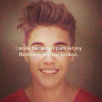 """Sonrió porque no puedo dejar que mis BELIEBERS me vean destrozado"" :'( AlwaysStrongBeliebers Iloveyou Justinbieber BelieberForever <3"
