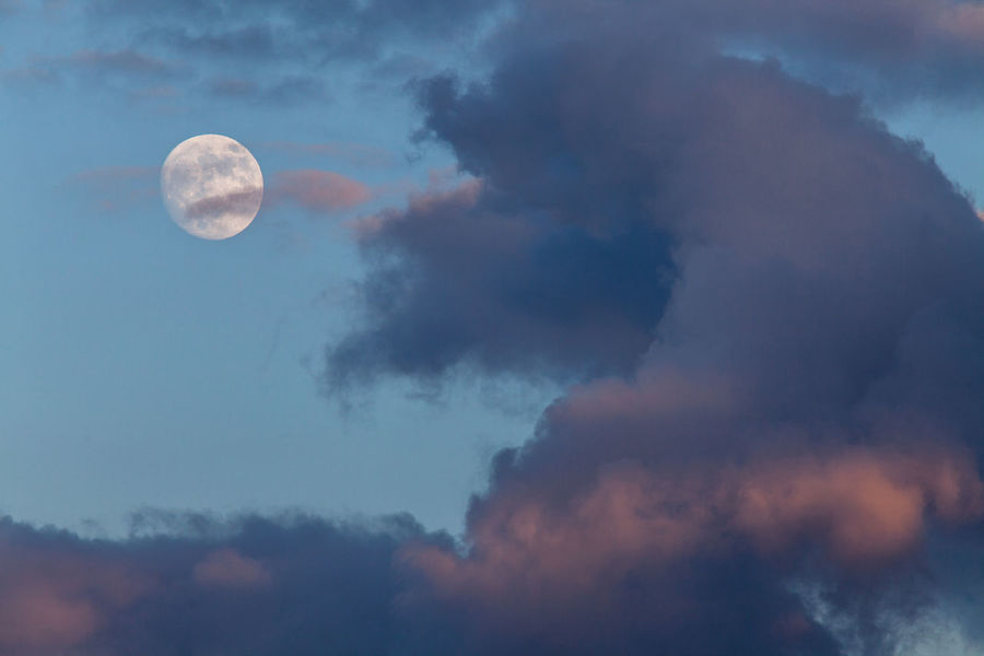 Atmosphere Atmospheric Mood Cloud Cloud - Sky Cloudscape Cloudy Dramatic Sky Majestic Moody Sky Moon Outdoors Overcast Scenics Sky Storm Cloud Tranquility Weather