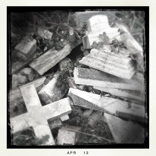 Dead Graves
