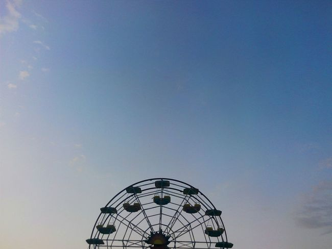 🎡 Taking Photos Creative Light And Shadow Holiday Button Up Minimalism Minimalist Lunapark Urban Geometry Sky_collection Eye4photography