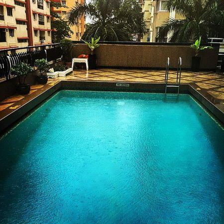 What a view to start the day !!! Mumbai Rains Beautiful Blue Monsoon View Colaba Instapic BestTimeOfJob Instamood Instahappiness Morning Pool Rooftop Mumbairains