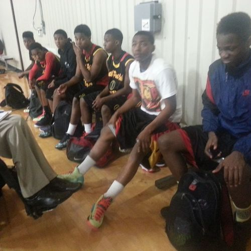 My AAU Basketball Team South Post Oak TIGERS 2015 made a great showing at the 2013 RCSSPORTS Spring Ice-Breaker Showcase last weekend going 2-1