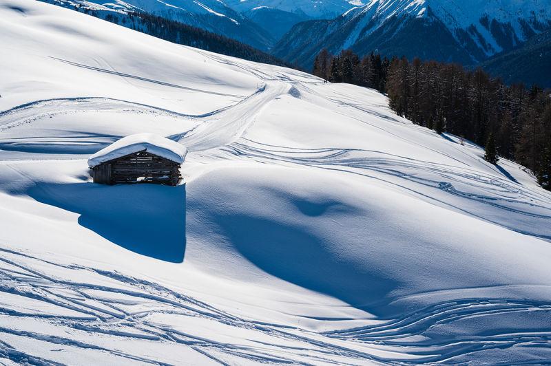 Mountain Snow Scenics - Nature Winter Cold Temperature Beauty In Nature Snowcapped Mountain Landscape Nature Jakobshorn Davos Graubünden Switzerland Blue
