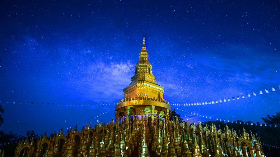 View of illuminated shwedagon pagoda at night