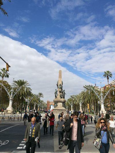 Barcelona, Spain Barcelona España My Best Photo City Tree Statue Sculpture Crowd Sky Architecture Cloud - Sky Historic Monument War Memorial Civilization Ancient Rome Pedestal Stupa Memorial National Monument