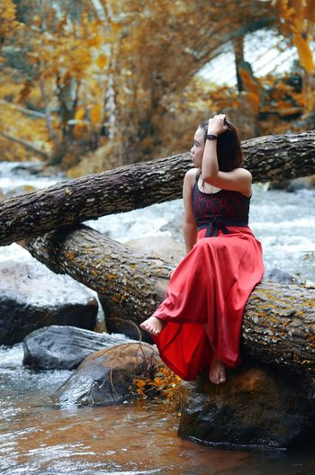 Waiting ... People In Nature Folk Folkgood Folkindonesia Folkgood Folk Village Folkmagazine Forest Adults Only Full Length People Beauty Red Beautiful Woman Young Women Fashion Elégance Women One Young Woman Only Autumn Beautiful People