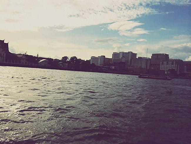 Dark sea!!!🚣🚣