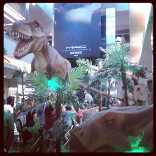 Dinossauros animatronicos. Shopping Parksaocaetano Dino