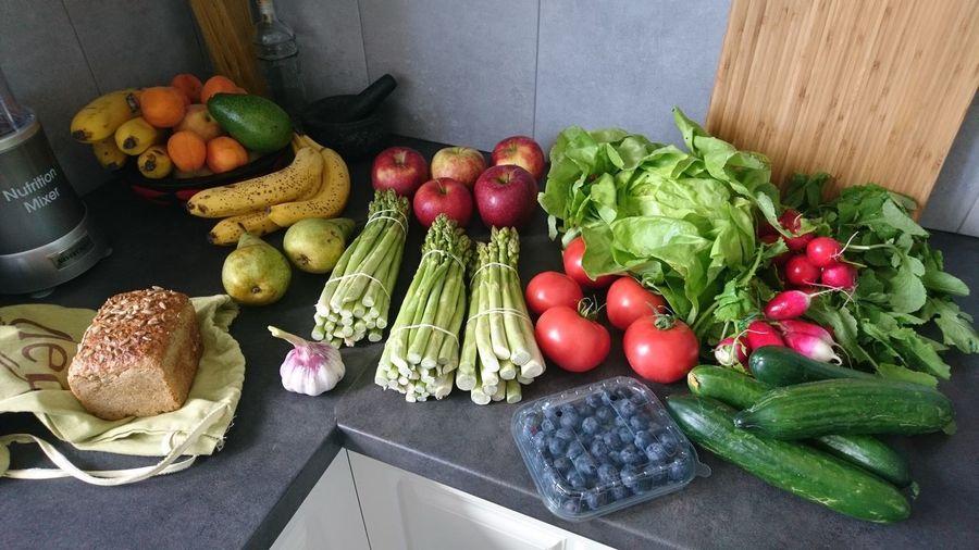 My Kitchen Food Foodporn Vegetables Vegetables & Fruits Colorfull Asparagus Season Apples Helfie Food Helfie Food Stories