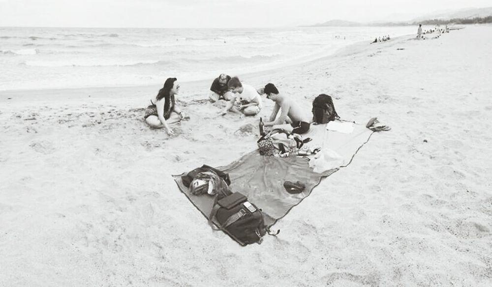 Beach x Friends Beach
