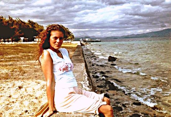 Sister Hanging Out Gonetoosoon Beautiful Beauty In Nature Crazygirl Missing You