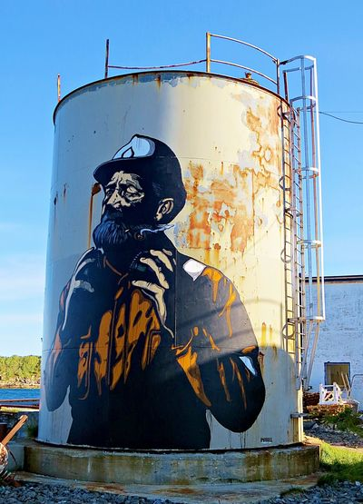 Coolstuff Day Eye Em Around The World Eye4photography  EyeEm Gallery Graffiti Henningsvær Lofoten Men Northern Norway Oil Industry One Man Only One Person Only Men Outdoors PaintJob People Streetart Travel Photography