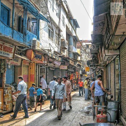 Streetlife in Delhi India Delhi Newdelhi Srk likers likeme picfollow instaindian geek instalikers instaclick followpic kik bbm igt instamood instafollow bestoftheday photooftheday picoftheday pictureoftheday photography travelphoto travelers traveltheworld streelife