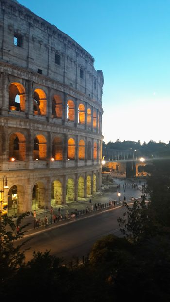 Architecture History Travel Destinations Built Structure Arts Culture And Entertainment Outdoors Ancient Civilization No People Royalty Scenics Italy Roma Rome Italy🇮🇹 Colosseum Colosseo By Night Symmetry Architecture Sunset Silhouettes Sunset Lovers Sunset EyeEm