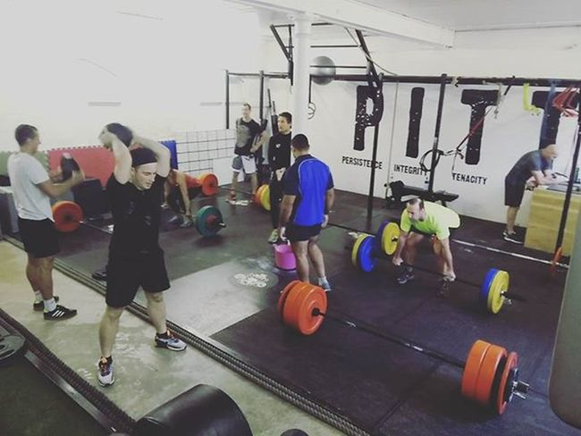 Deadlifts this morning @pitt_training 💪 10x5 + ball slams and squat thrusts 👍 Deadlifts Thepitt Teamchongi Strength Weights Lightweightbaby Fitfam