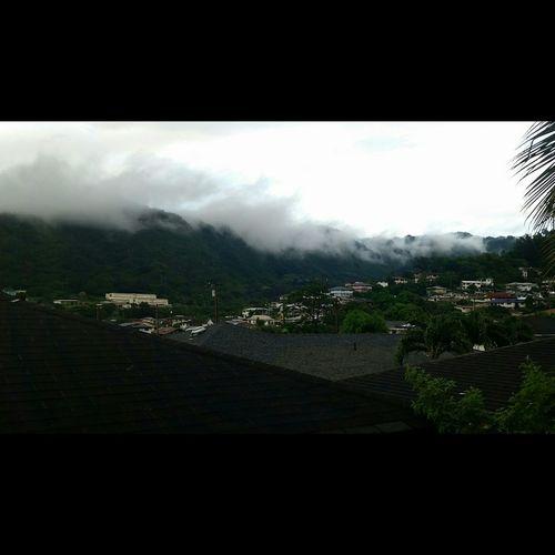 Clouds on the mountains! Hawaiinei Paradise Hawaii Aloha Oahu Samsung Galaxy Note 4 Luckytolivehawaii