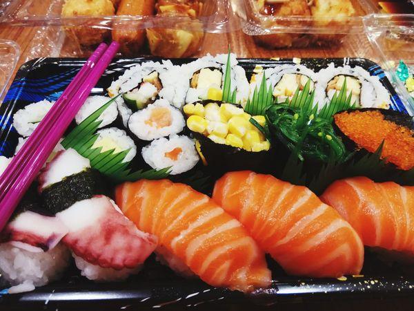 I love eat Japanesefood Sushilover Foodie Love Eat Foddies Of Eye Em Jktfood Makan Besar Seafood Fish Salmon Rice - Food Staple Salmon - Seafood Food Styling Shrimp