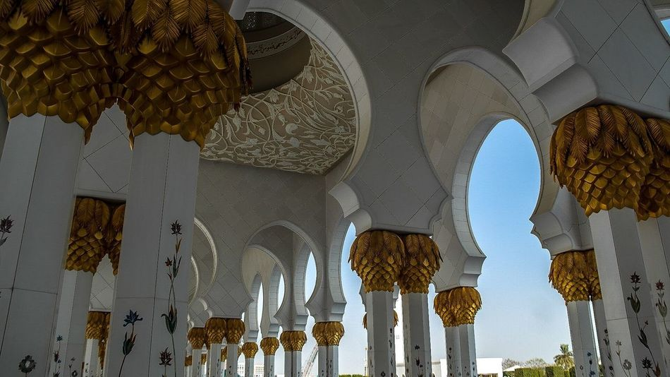 Abu Dhabi - August 2016 Middle East UAE Abu Dhabi Arch Religion Place Of Worship Architecture Low Angle View Spirituality Architectural Column Ceiling Built Structure Travel Destinations History No People Day