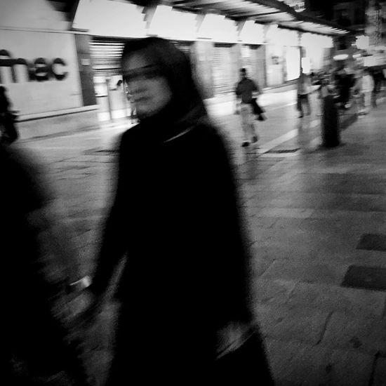 Streetphotography_bw Hipstamatic Streetphoto_bw Streetphotography Monochrome Street Life NEM Street Blackandwhite Life In Motion Street