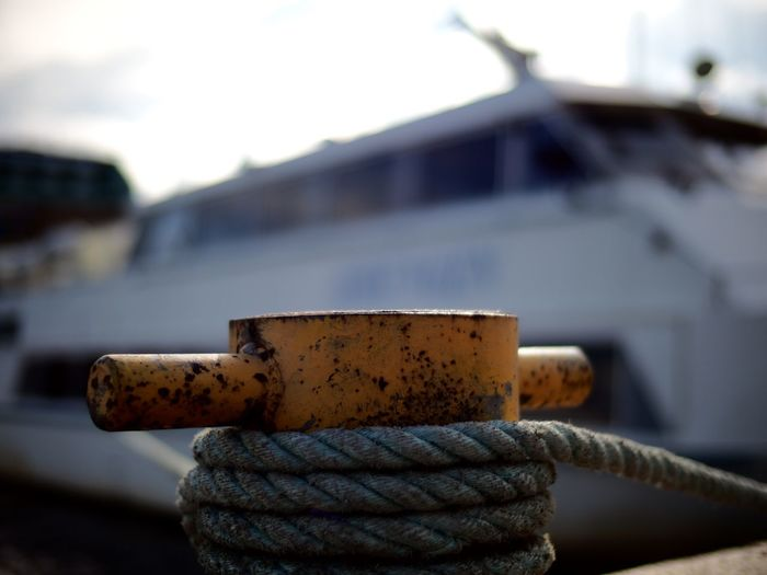 Another cleat i presume 😃 Mooring Mooring Line Mooring Post Cleat Cleats Boat Life Boat Boats Boats And Water Boats And Moorings Shallow Depth Of Field Selective Focus