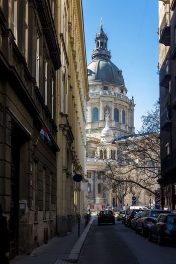 St. Stephen's Basilica in Budapest seen from Lázár Utca Budapest Budapest, Hungary St Stephens Basilica, Budapest Hungary Lázár Utca Church Cathedral Europe Architecture Architecture_collection Architecturelovers Architectureporn European Architecture Feel The Journey The Architect - 2016 EyeEm Awards On The Way Hidden Gems  Neighborhood Map
