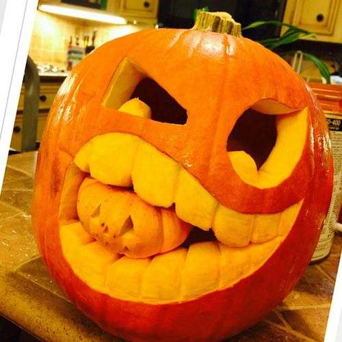My Mom did this!! Wow! 🎃 Halloween2014 2014holidays Bestpumkincarving