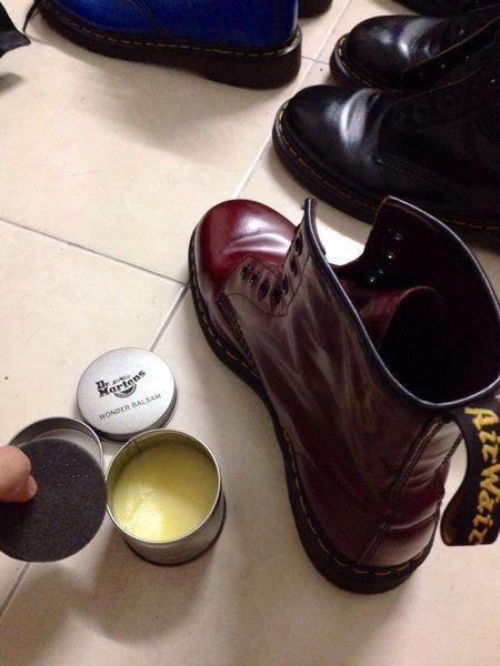 Membalsamkan boots dengan harapan boleh jadi kiut mcm ownernya haha Dr Martens Boots