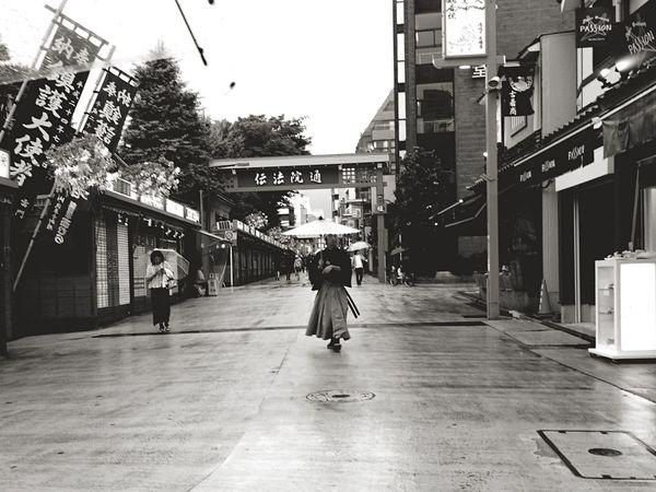 Streetphotography Streetphoto_bw Street Blackandwhite Blackandwhite Photography Road Japan City Old Buildings Tokyo