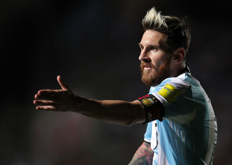One Person Beard Side View Facial Hair Adult Real People Looking Lifestyles Young Adult Smiling Emotion Gesturing Standing Casual Clothing Men Happiness Portrait Mid Adult Scarf Hairstyle Messi Lionel Messi Argentina Soccer