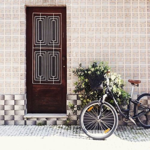 Hello World EyeEmMagazine Ignant Ignantpicoftheday EyeEm EyeemTeam EyeEm Gallery Eyeemportugal Portugal Houses And Windows Porto Houses Bike