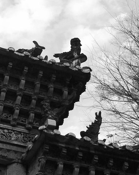 Foshan,China Blackandwhite Black And White Photography Low Angle View Built Structure Ancient Culture Architecture Ancient Architecture Outdoors Close-up Light And Shadow Showcase: February Building Exterior IPhoneography IPhone Photography IPhone 6s