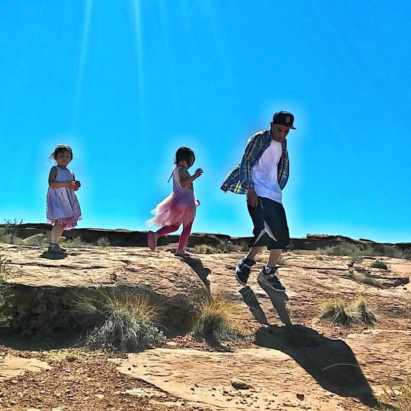 The Great Outdoors With Adobe Fatherhood  Sisters♡ Children Photography Excited About Nature Adventure Buddies The Great Outdoors - 2016 EyeEm Awards Photo Jurnalist Eyem 2016