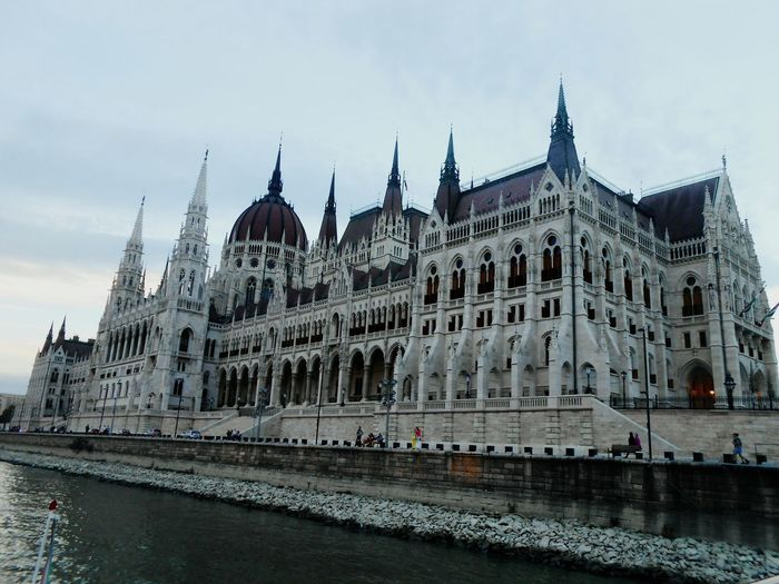 Hungary Budapest Parlament Parlament Of Hungary EyeEmNewHere Sky Duna City River Folyo
