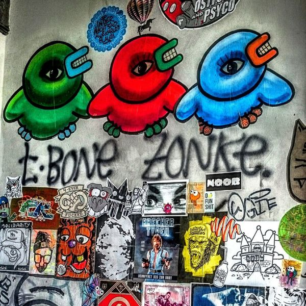 Graffiti Art Graffitti Hamburgerecken Hamburgmeineperle Hamburg Hamburgliebe Street Photography Street Coloursareeverywhere Hamburg Streetphotography Hamburg My Love💖 Karolinenviertel