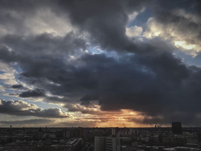 Urbanphotography Cloud - Sky Cityscape Sunset Urban Landscape Urban Exploration The Street Photographer - 2016 EyeEm Awards Streetphotography Berlin EyeEm Best Shots This Week On Eyeem Berlin Photography The Week Of Eyeem EyeEmBestPics EyeEm Masterclass The Week On Eyem