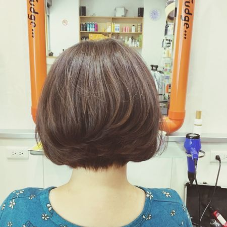 背對著你 假裝沒看到你 Joe蝶影 Me EyeEm Selects Hairstyle Hair Haircut Back Lit Don't Care